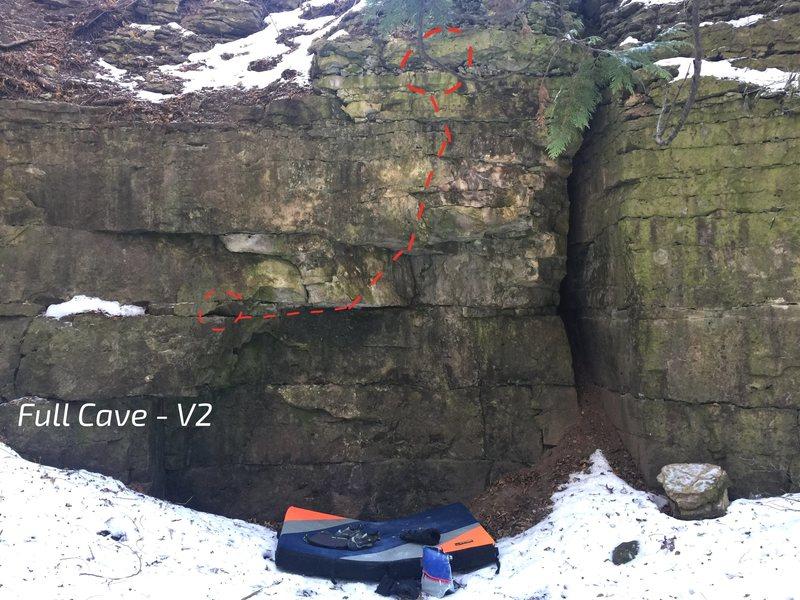 Rock Climbing Photo: Full Cave - V2