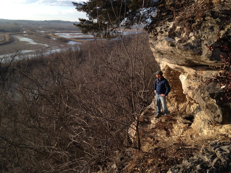 Hiking long the ridge of Eagle Bluffs overlook trail