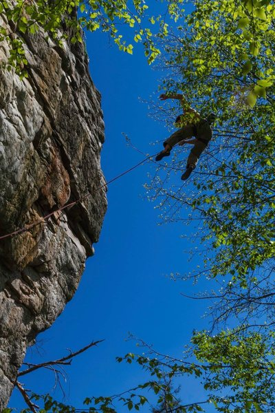 Rock Climbing Photo: Clocking some airtime gunning for the anchor on Pr...