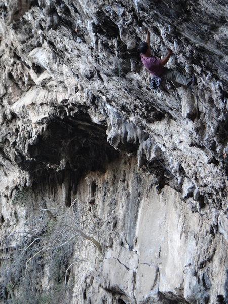 Alan Gonzalez climbing La Bocina.<br> <br> Photo by Mauricio Herrera Cuadra.