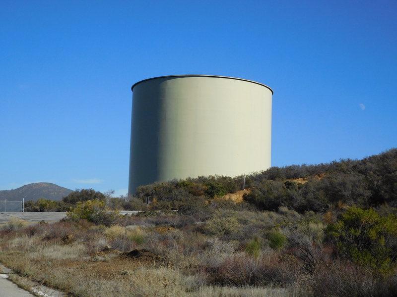 Rock Climbing Photo: Huge water tank overlooking Templin Hwy.