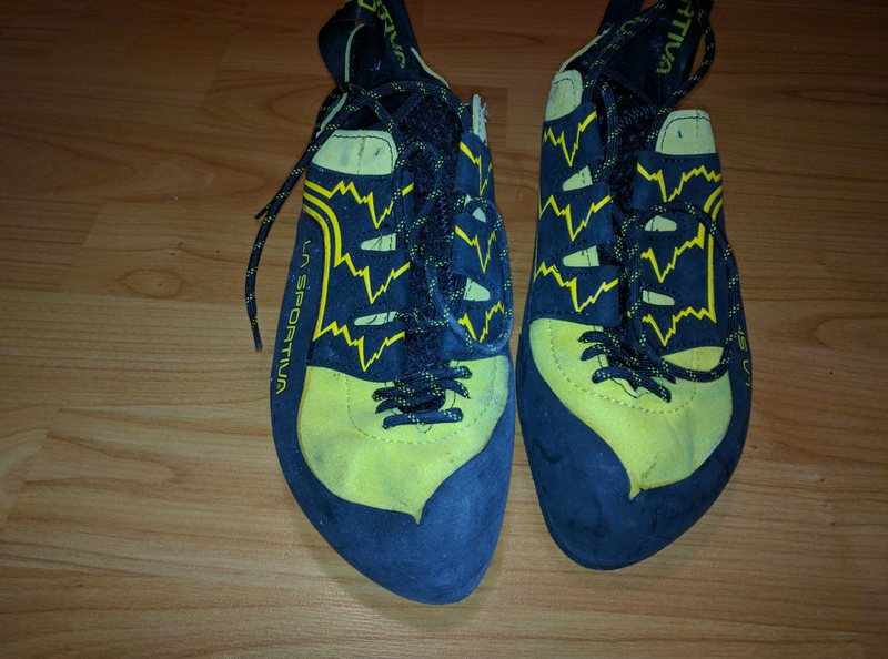 Rock Climbing Photo: Katana yellow lace up size 39