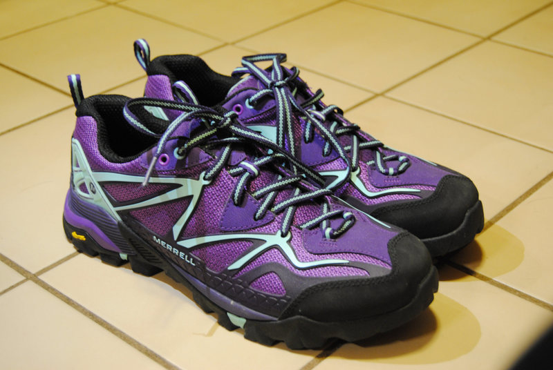 Rock Climbing Photo: Merrell Women's Size 10 Hiking Shoes
