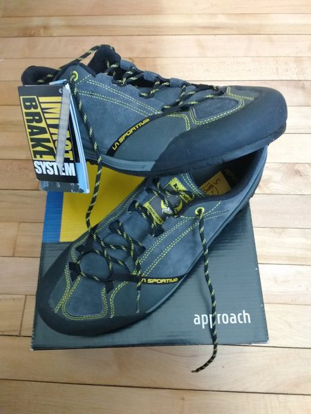 $80 La Sportiva approach shoes.  Size 45/ 11.5 NWT