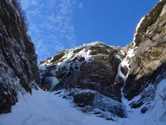 Rock Climbing Photo: Easy Gully.  Orange - Black Sunshine Yellow - Domi...