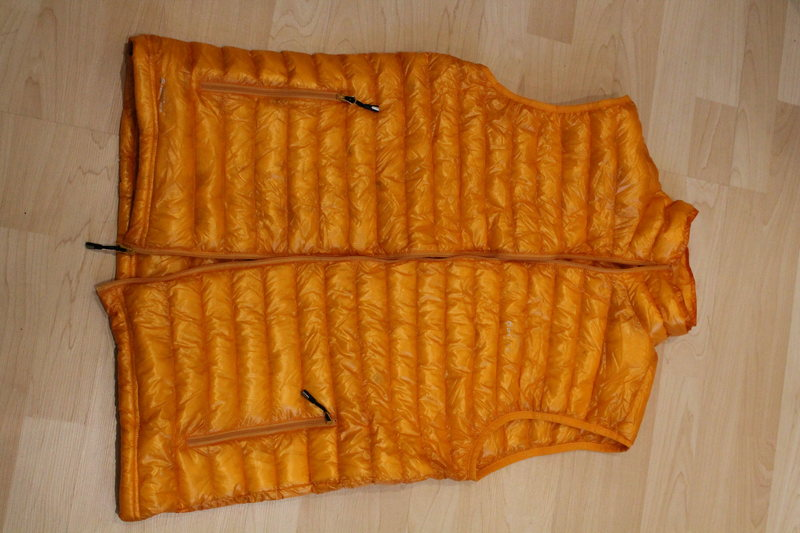 NEW Golite Down Selkirk 800 Ultralight Vest, size Medium<br> 75$ (retail 230$)<br> http://www.prolitegear.com/golite-golite-selkirk-ultralight-down-jacket-review/<br>