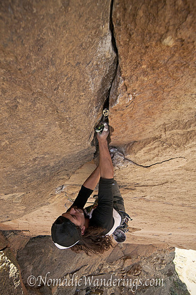 Rising Expectations 5.11d<br> Monkey Face, Smith Rocks<br> Photo by Craig Stevens