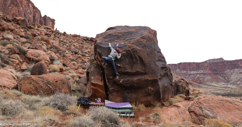 Pulling through the last few hard moves on 'Left Hand Of Darkness' (v8).