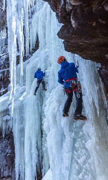 Left climber on Hydra, right on Cierean.