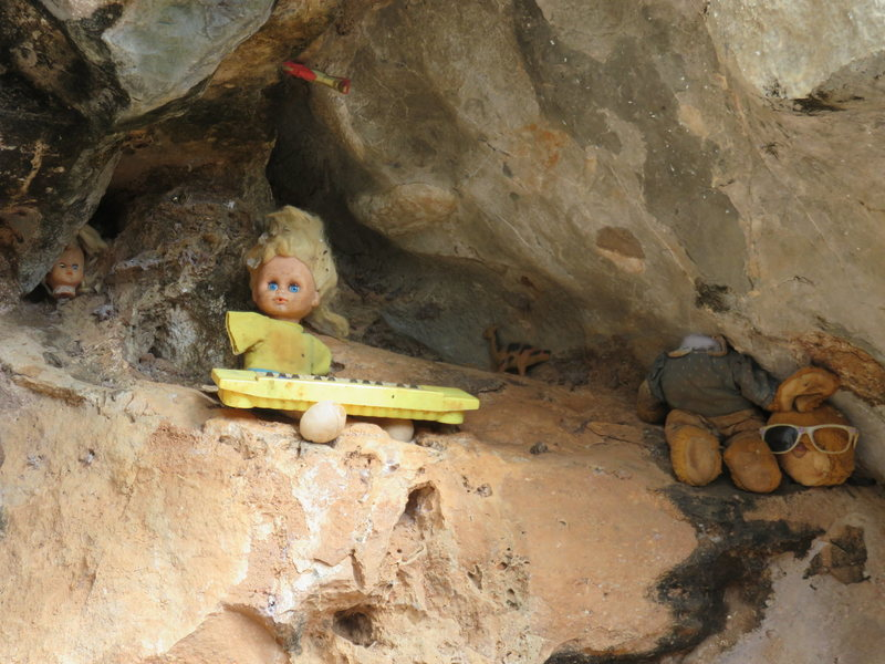 Rock Climbing Photo: There's some weird-ass spooky trash in that ca...