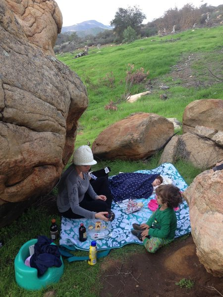 Family picnic in the boulders makes me happy!! :)