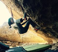 Rock Climbing Photo: Toeing in for the dropknee before moving into the ...