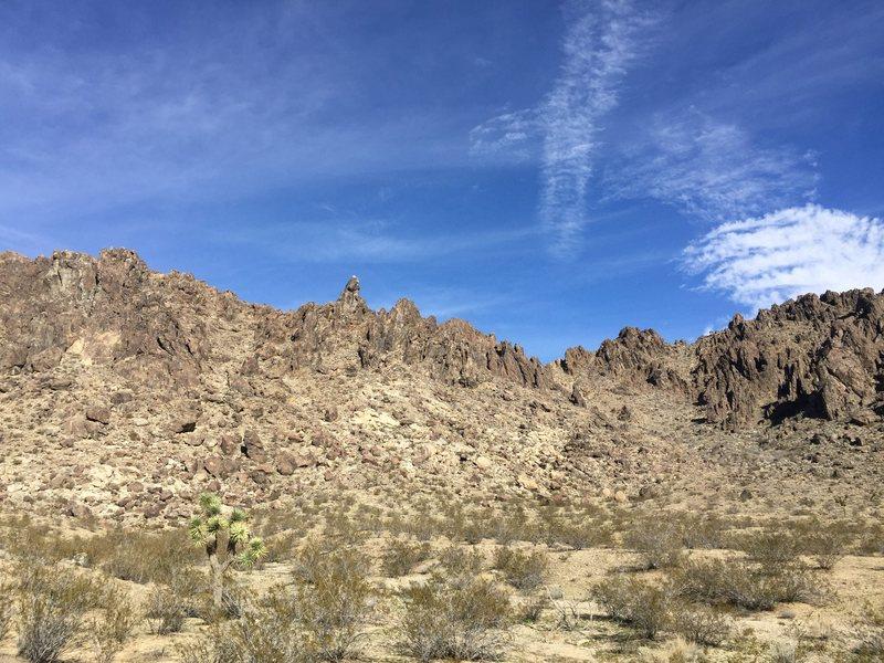 Rock Climbing Photo: New Sawtooth Tit piercing the sky