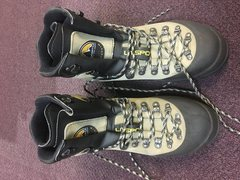 La Sportiva Makalu boots