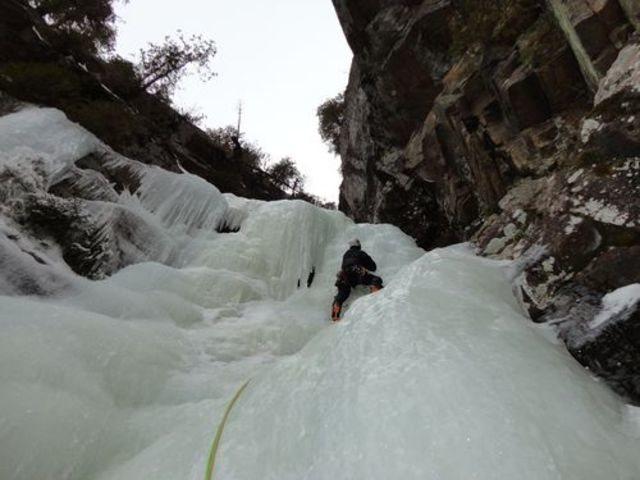 Rock Climbing Photo: Having fun on M - Gully