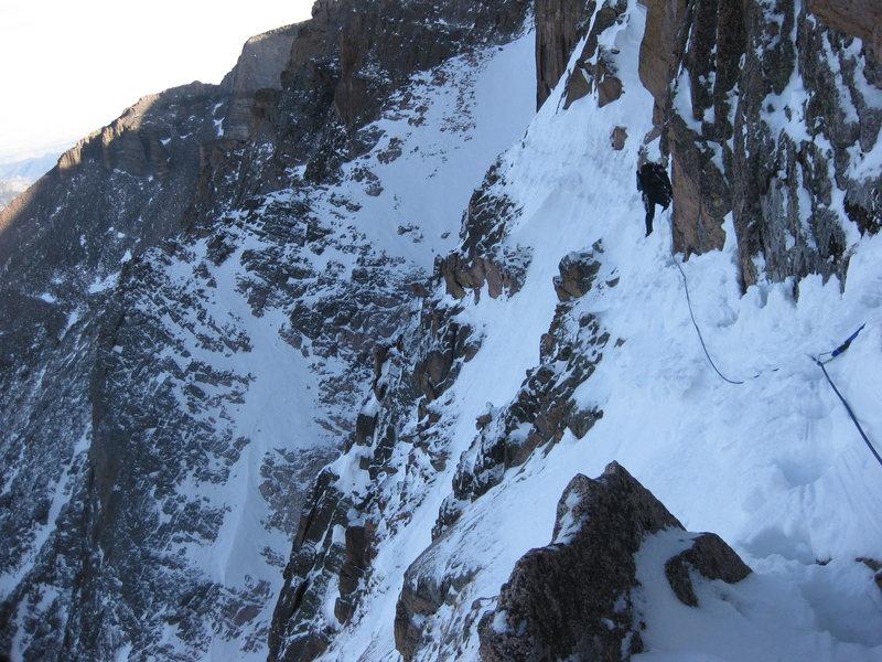 Rock Climbing Photo: Longs Peak Broadway, Nov 2009, approaching the Not...
