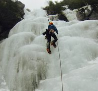 Rock Climbing Photo: Jeff Crawford leading up the first pitch of Chouin...