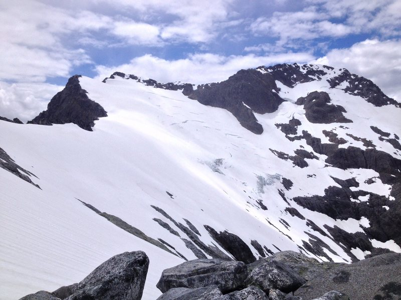 Looking at the traverse section above the cirque
