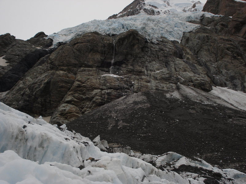 Rock Climbing Photo: Hanging glacier above the Hooker