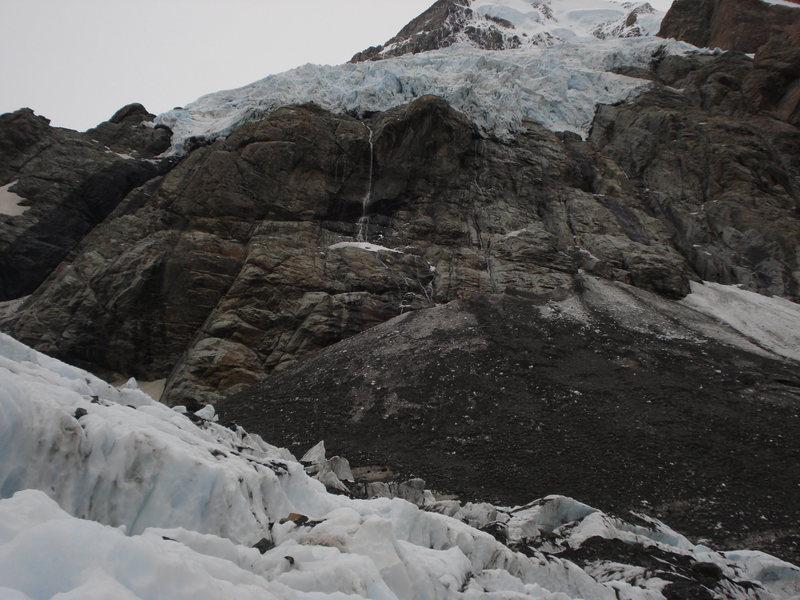 Hanging glacier above the Hooker