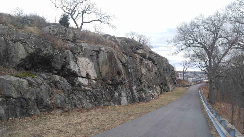 Rock Climbing Photo: At the north end of the wall, looking south.