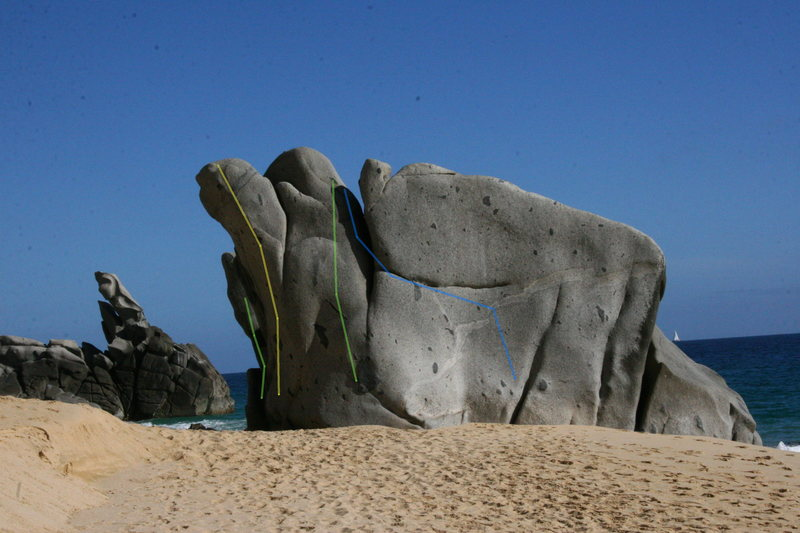 Rock Climbing Photo: The Oro Purfecto Boulder with routes shown
