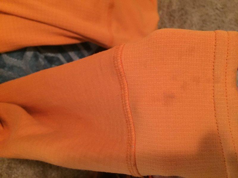 R1 sleeve