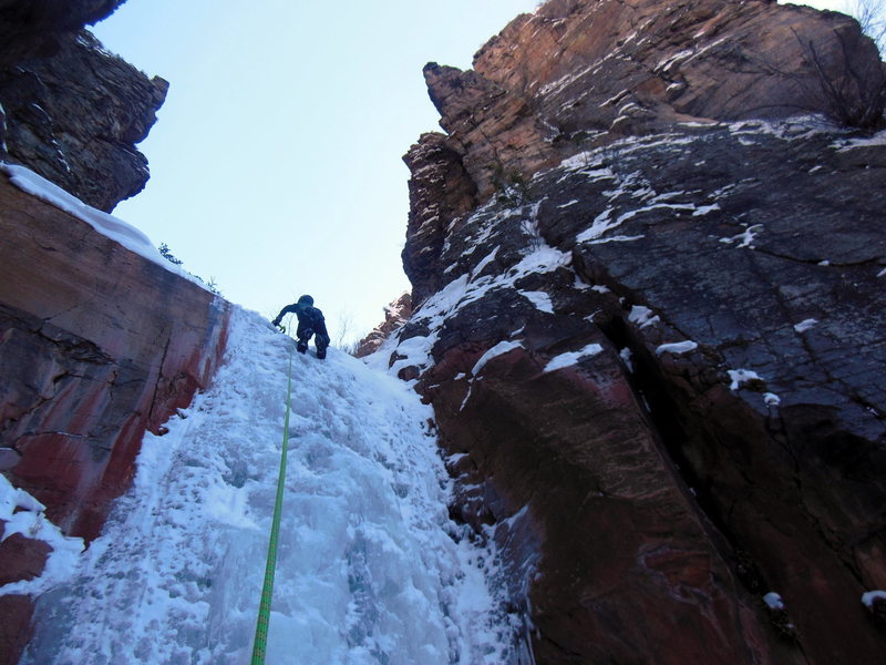 Lowe topping out on 1st pitch of Hidden Haven, Jan 2017.