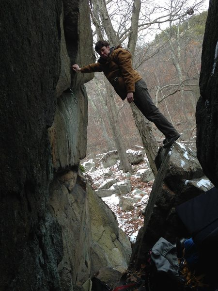 Rock Climbing Photo: Checking out the gear placements in a sweet overhu...