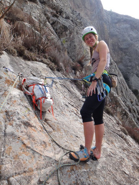 Hillary Allen at the top of the 1st pitch of Filo Noroccidental.<br> <br> Photo by Mauricio Herrera Cuadra.