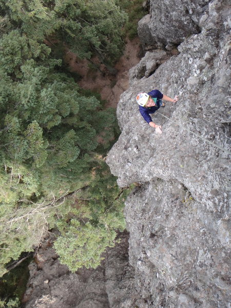 Hillary Allen on the 1st pitch of the Regular Route on El Fistol del Diablo.<br> <br> Photo by Mauricio Herrera Cuadra.