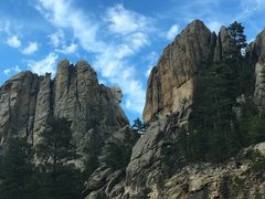 Rock Climbing Photo: Coming around the bend past MRNM entrance, approac...