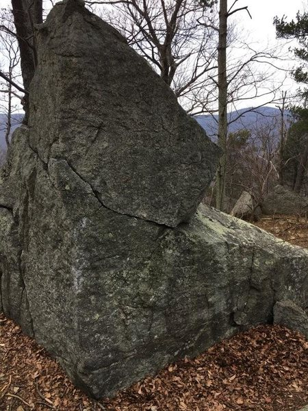 Rock Climbing Photo: View of the back of the boulder