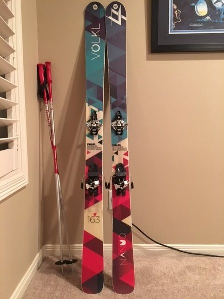 Rock Climbing Photo: skis
