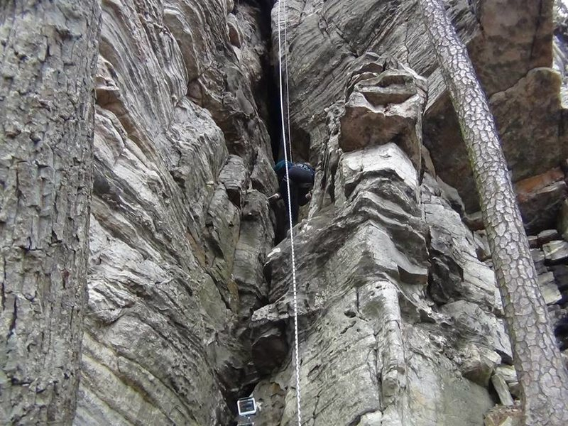 Rock Climbing Photo: Climb straight up the chimney using both sides