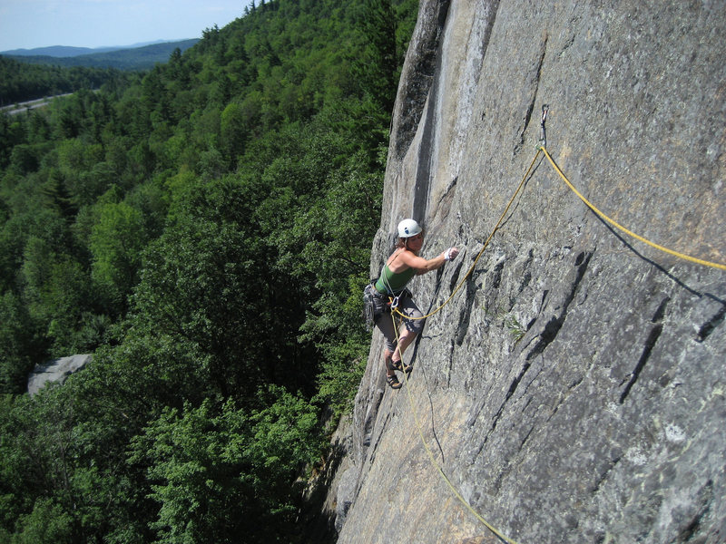 Rock Climbing Photo: The traverse on P1 of Freedom Flight.