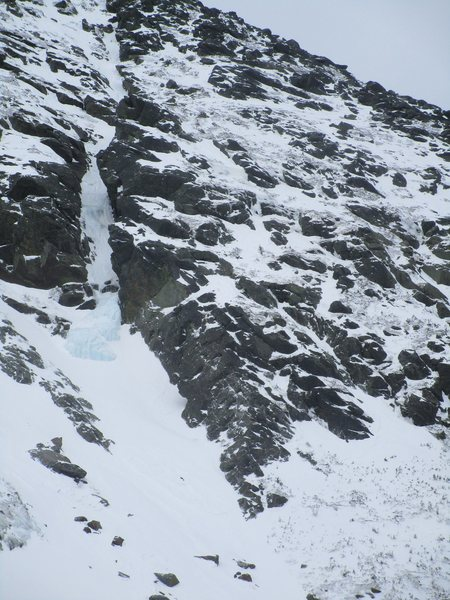 Henderson ridge in winter. Note North Gully flow left.