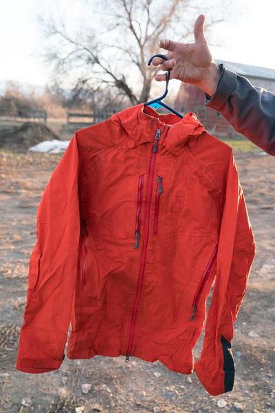 $100 Brooks Range Mountaineering Lt Armor Jacket size Medium. Used one season retails for $289.