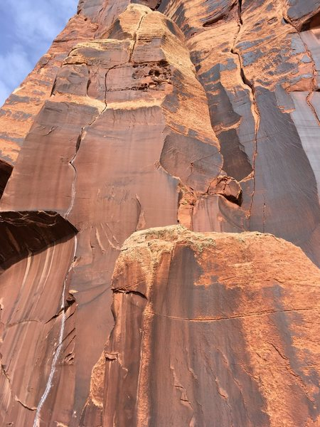 Rock Climbing Photo: Obvious splitter in beautiful varnish, just to the...