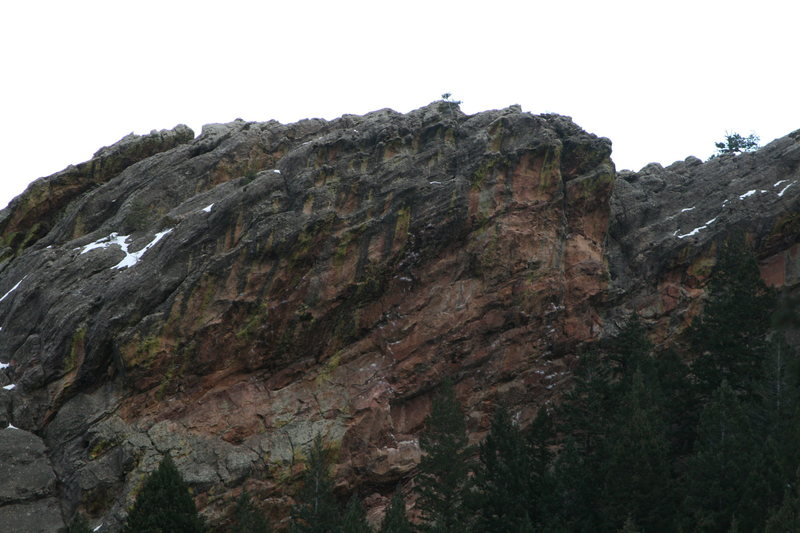 The right side of the NW face of the Slab with the distinct chalk lines of $00pr, kr33m, and Undertow.