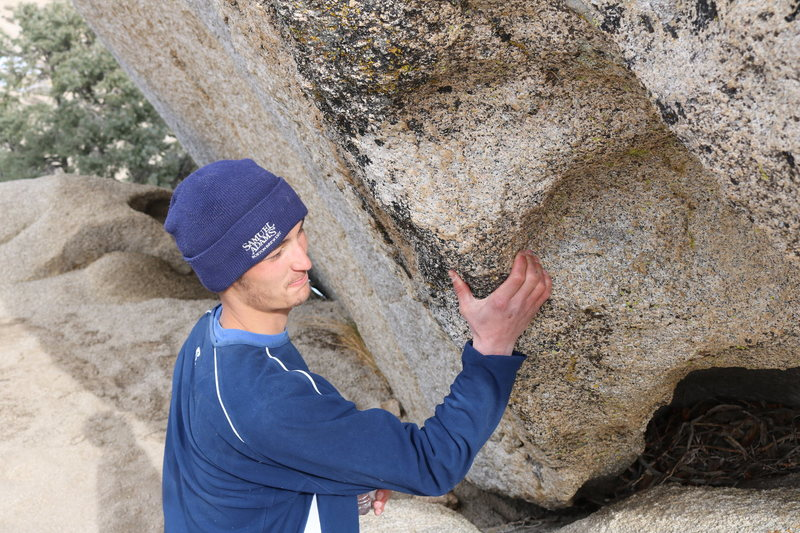 Rock Climbing Photo: A picture of the starting pinch.