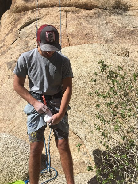Rock Climbing Photo: Chalking up before a lead