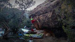 Rock Climbing Photo: Working through Black Wave.