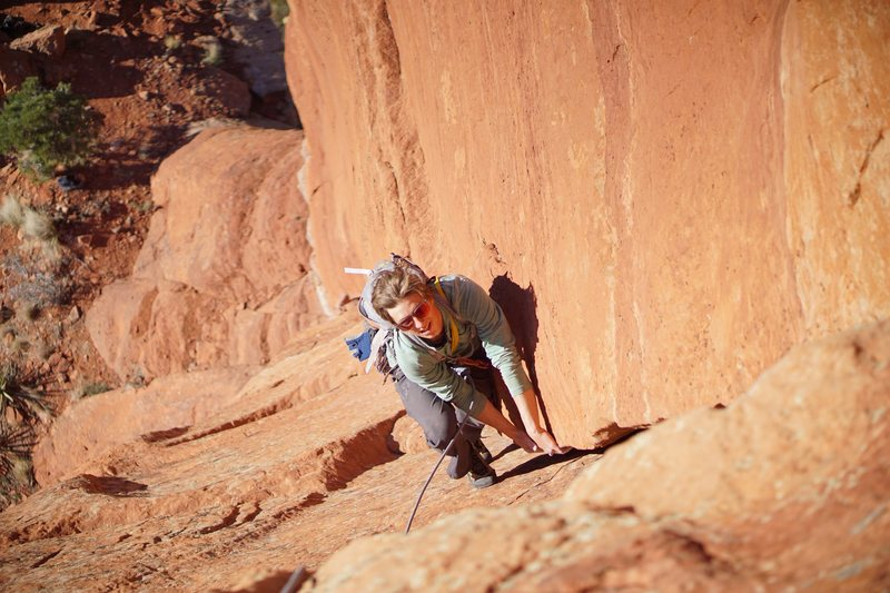 Very fun laybacking on the first pitch. (Photo: Giselle Fernandez)
