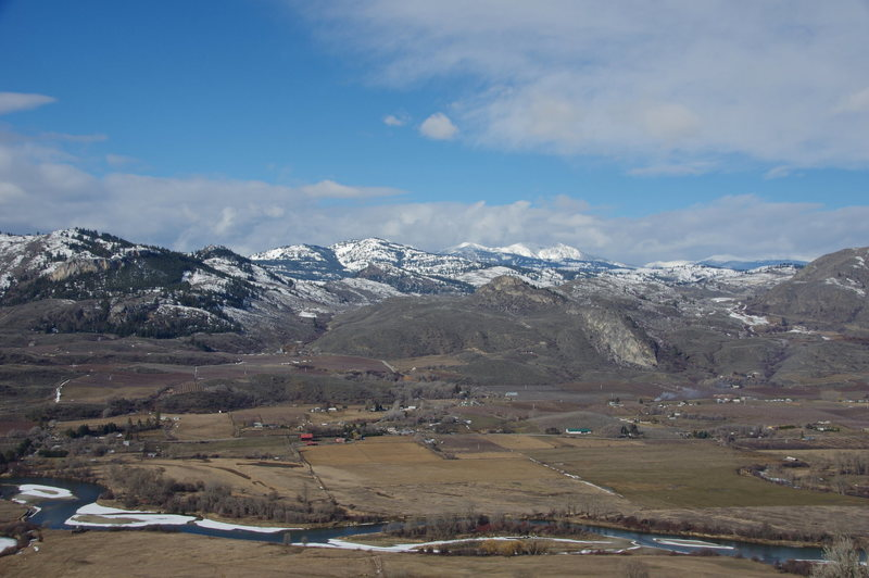 View west across the lazy Okanogan towards the Pasatyens from Bowsaw Ridge above the South Canyon.