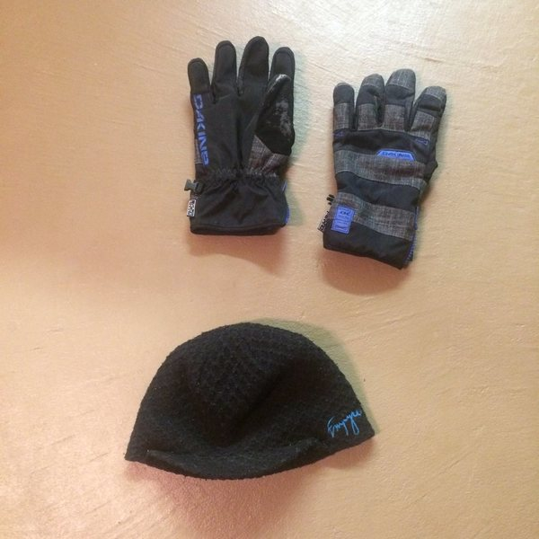 gloves and touque