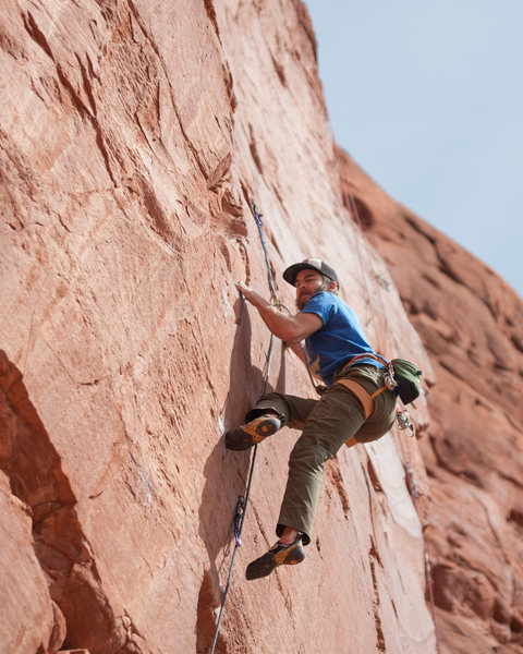 Climber: Aaron Townsley <br> Photo: Ryan Borys