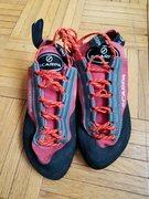 Rock Climbing Photo: scarpa EU 37 women's 6 6.5