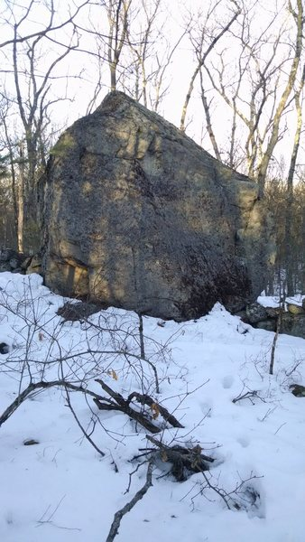 Rock Climbing Photo: Pond Boulder.