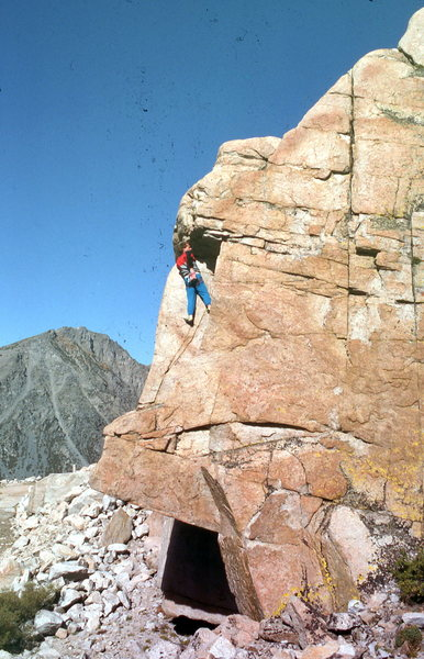 Urmas Franosch solos the 5.6 Roof-to-Dihedral at Spillway Crag